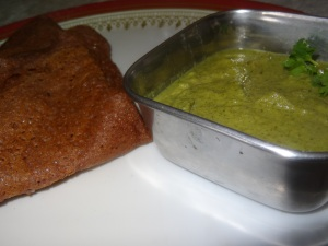 mint chutney with ragi dosa